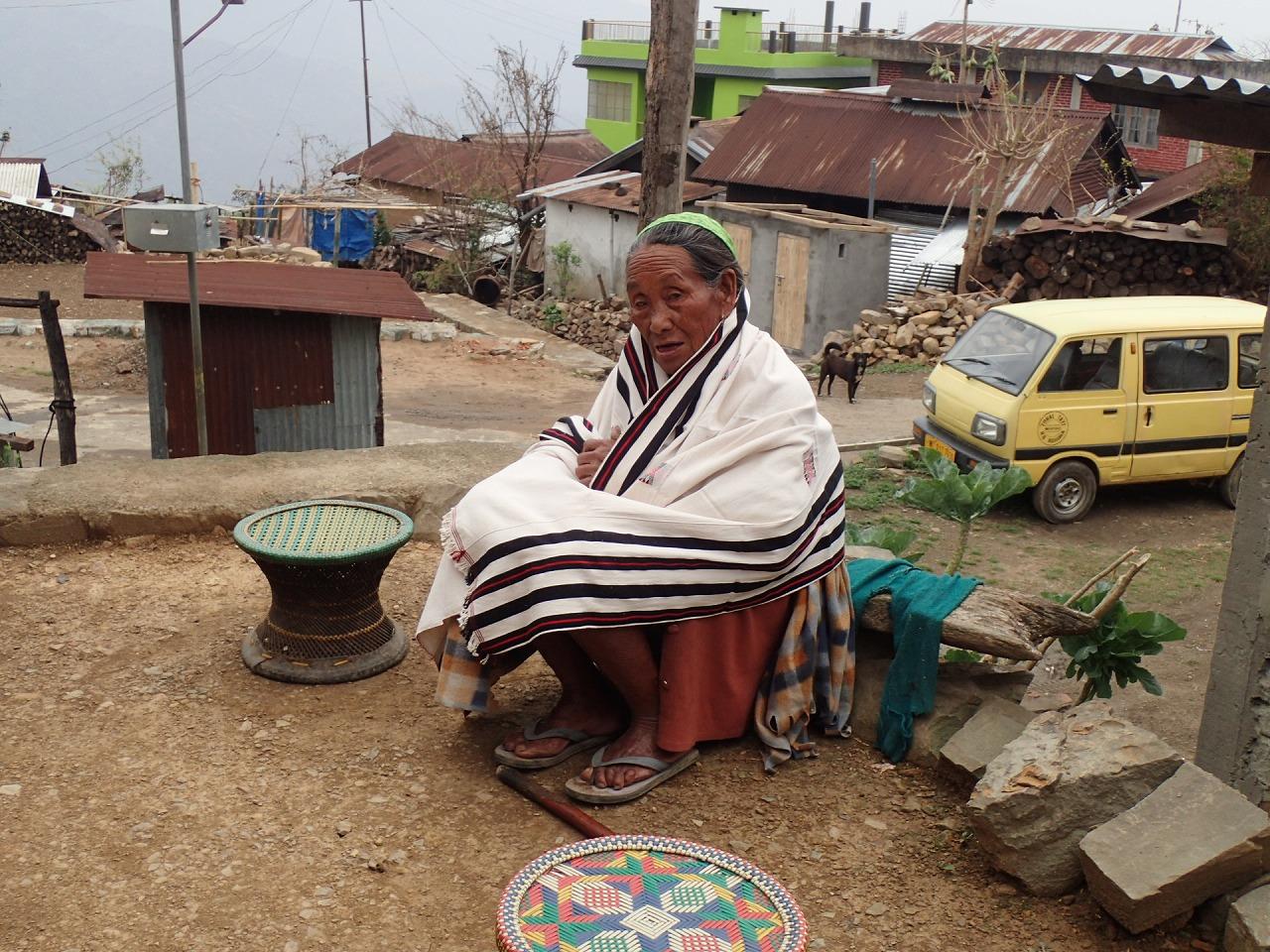 アンガミの女性