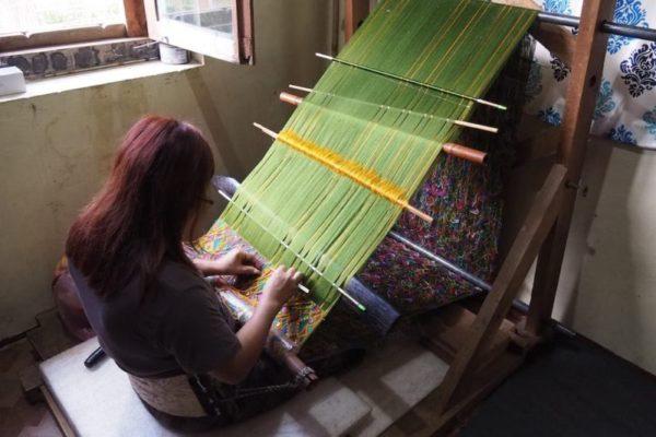 ブータンの織り