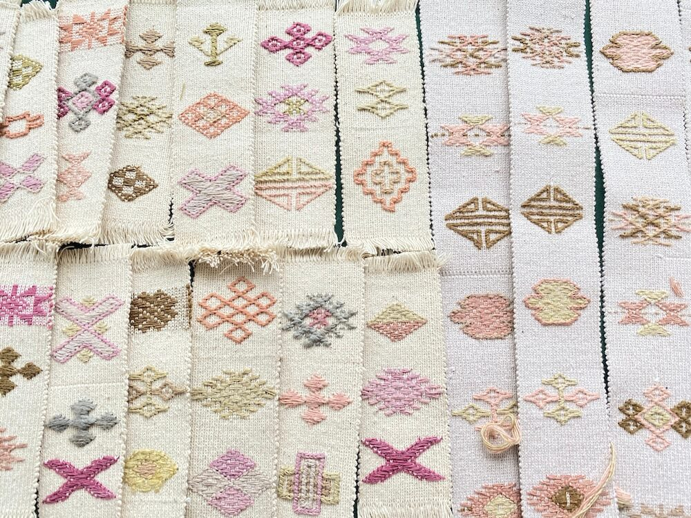 ブラ織物の栞