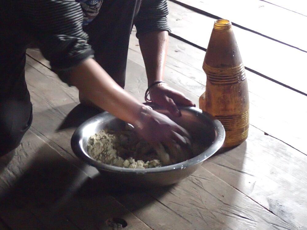 蕎麦を混ぜる